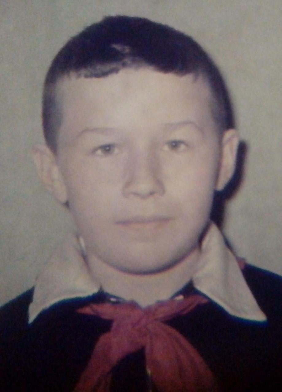 пионер Толя Захаров.JPG